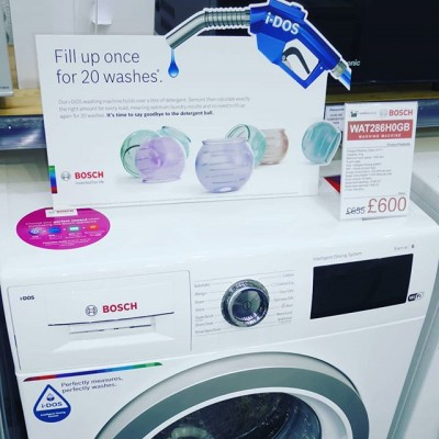 Bosch WAT286H0GB Washing Machine featuring iDos Technology. Sensors that calculate exactly the right amount of detergent for every load.  9kg load and 1400 spin, home connectivity using your smart phone and a 5 year warranty. £600 but take advantage of the Bosch Choice Promotion and get £150 cashback making this £450.  Promotion until 16.07.2019  #washing #washingmachine @boschhomeuk #sale #deal #cashback #germanengineering #german #takeadvantage