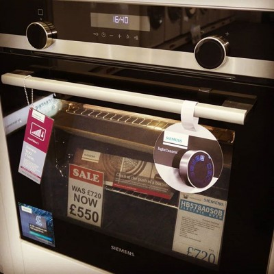 Siemens HB578A0S0B Electric Single Oven.  Features Active Clean which uses Pyrolysis technology to heat up the oven to nearly 500 degrees and burns everything to ash allowing you to sweep out the debris leaving a clean oven.  Retail Price £720 on sale at £550 but take advantage of £100 cashback meaning this is £450.  @siemens_uk @siemenshomeuk #cooking #baking #chef #food #selfcleaning #sale #deal #cashback